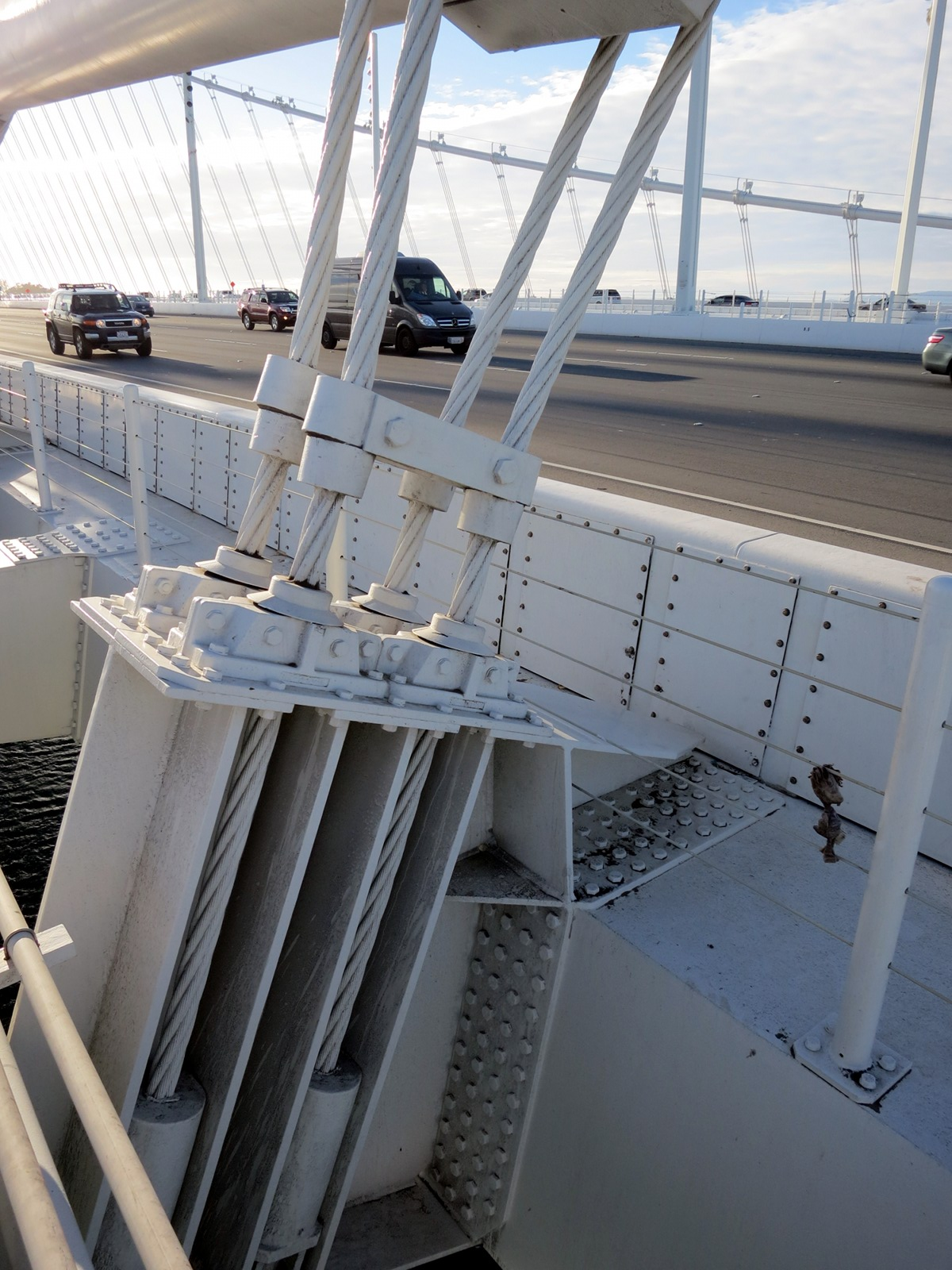 Bay Bridge Assay 1: roadway suspension on the new span (05SE).